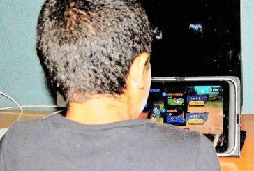 Especialistas recomiendan alejar a niños de videojuegos