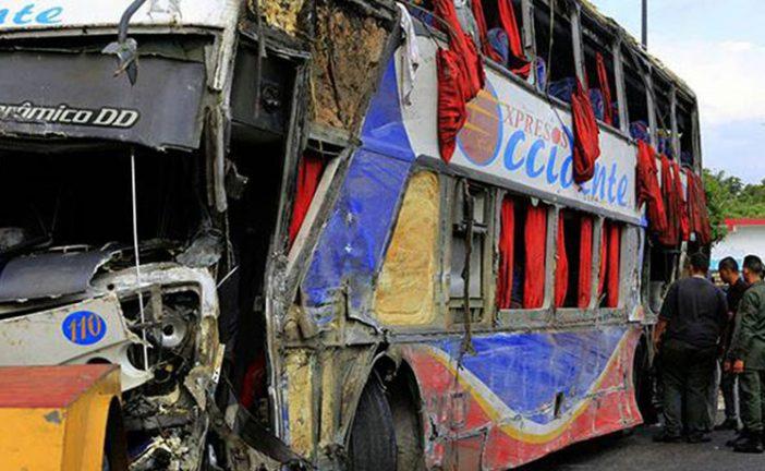 Cinco muertos y 33 heridos dejó accidente en la autopista Valencia – Puerto Cabello