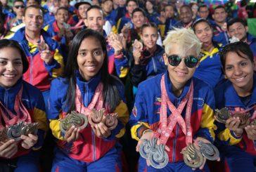 Delegación de los juegos Sordolímpicos recibe reconocimiento