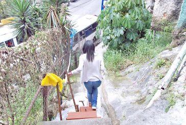 Se desplomaron escaleras en Barrio Unión