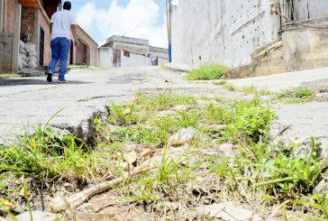 Piden mejoras viales en el callejón Montenegro