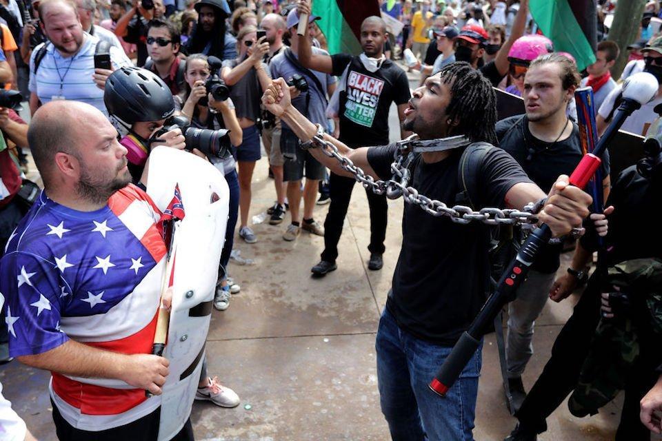 Marcha de nacionalistas blancos dejó 3 muertos y varios heridos en Estados Unidos