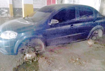 25 vehículos afectados tras  robos en la Simón Bolívar
