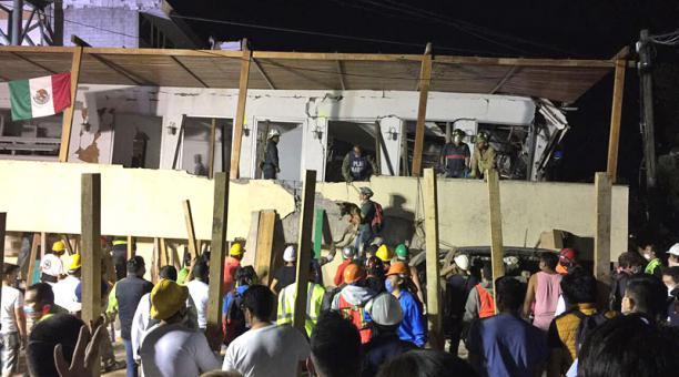 Mueren 32 niños en derrumbe de colegio por el terremoto
