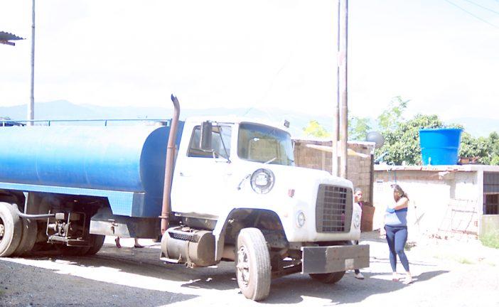 A punta de cisterna  sobreviven en Cañaote