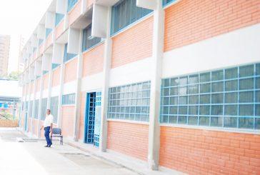 Con 400 alumnos arranca la primaria en el Miranda