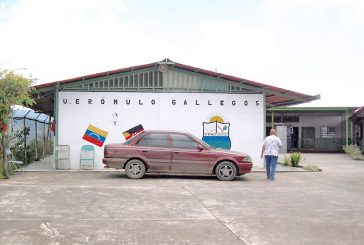 Cierran parque de escuela Rómulo Gallegos