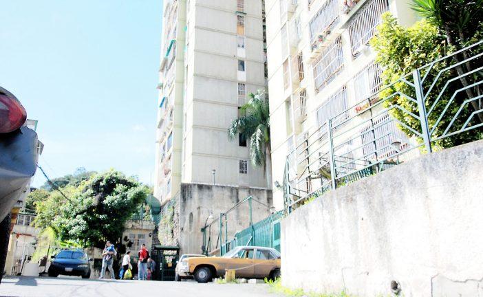 Infinidad de problemas aquejan  a vecinos de La Cima