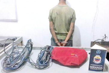 Detienen a dos que robaron  cables en colegios tequeños