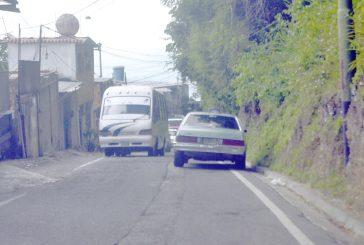 Denuncian mal servicio de transporte en Los Barriales