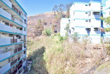 79 apartamentos de  El Paso afectados por  deslizamiento de tierra