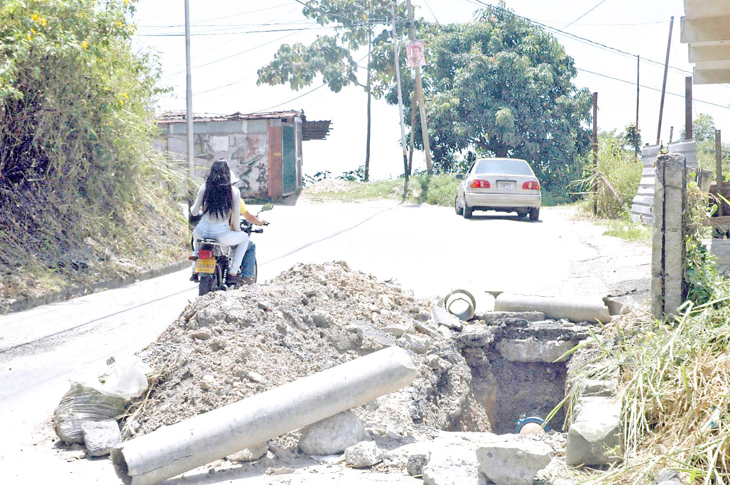 Hidrocapital dejó escombros  en La Macarena Sur