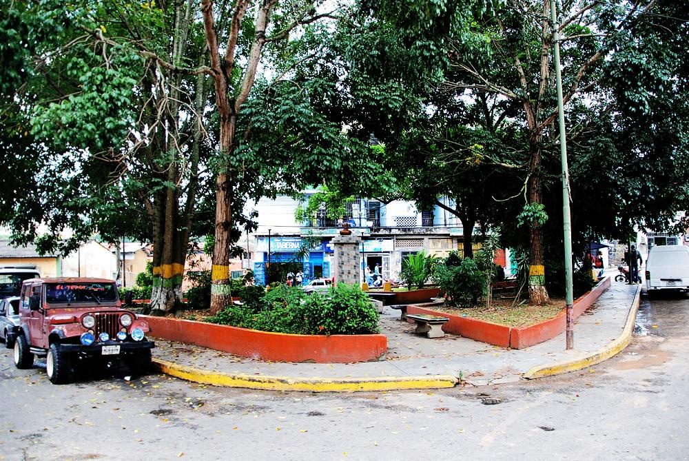 Plaza El Rincón a merced del hampa