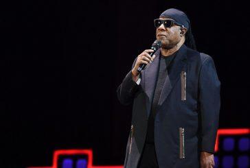 Stevie Wonder actuó en concierto contra la pobreza
