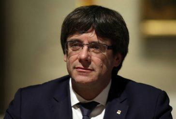 Puigdemont pasa de una sala de redacción a la presidencia de Cataluña