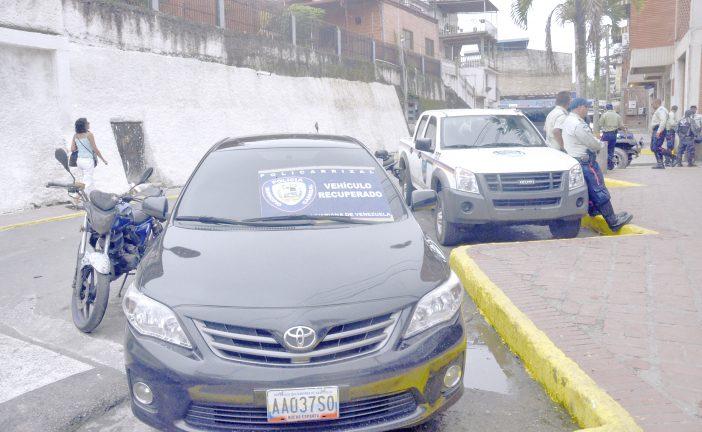 Arrestada pareja con 13  mil dólares en Carrizal