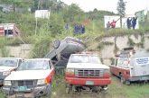 Carro sin frenos cayó en estacionamiento