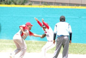 Luis Brito sonó sencillo, doble y triple en softbol máster A
