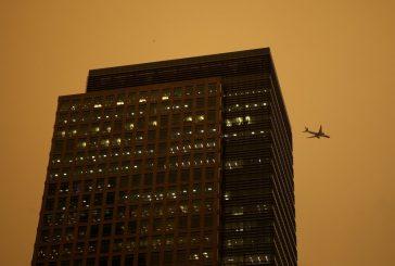 La tormenta Ofelia arrastró polvo y cenizas hasta Londres y el cielo cambió de color