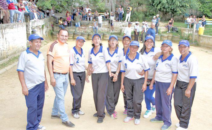 Las Amigables campeonas de  bolas criollas empresarial 2017