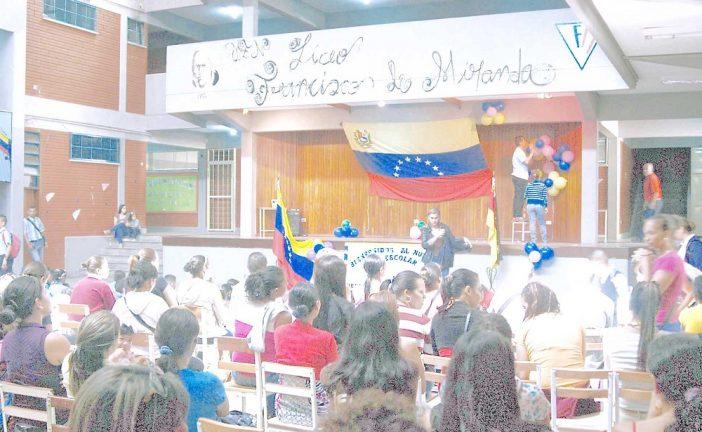 Realizaron fiesta escolar  en el Francisco de Miranda