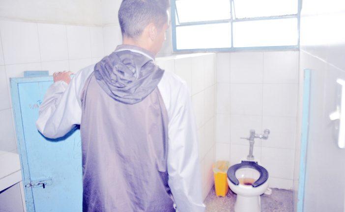 Falta de agua  obliga a media jornada en UE Guarenas