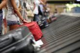 Hombre robaba el equipaje de otros pasajeros escondido en una maleta