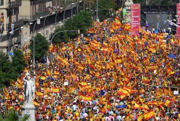 Más de 350 mil personas manifestaron en Barcelona en defensa de unidad de España