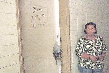 Denuncian fallas en baños del HVS
