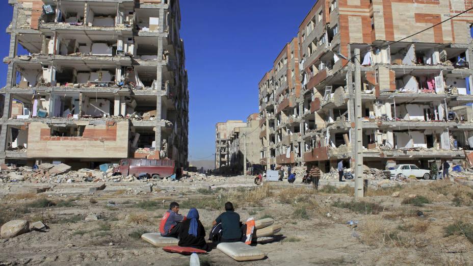 Al menos 350 muertos y 6.600 heridos deja terremoto en frontera Irak-Irán