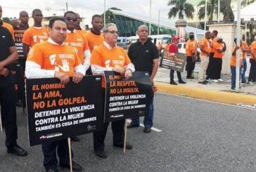 Hombres marchan para detener feminicidios en República Dominicana
