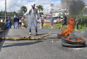 Protestaron estudiantes de la Uptamca por ola de robos