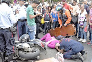 Motorizado arrolló a embarazada en la Bolívar