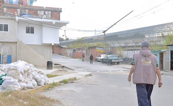 Enfrentamiento entre bandas deja un muerto en El Nacional