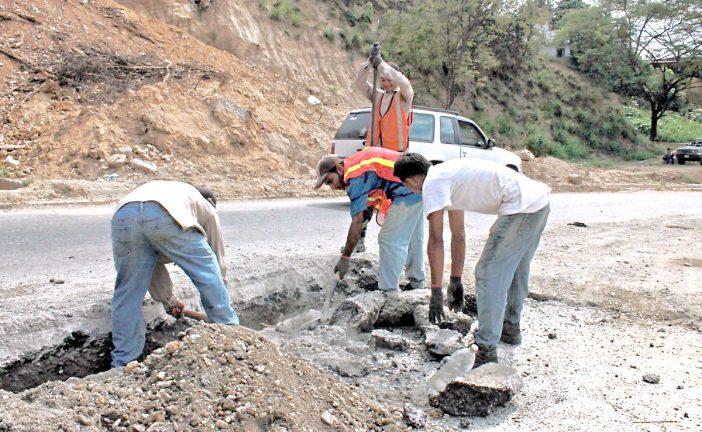 Activan plan de asfaltado en vías mirandinas