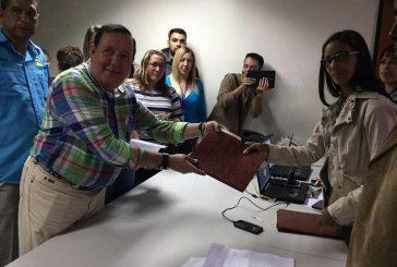 José Luis Rodríguez, inscribió su candidatura con apoyo de UNT