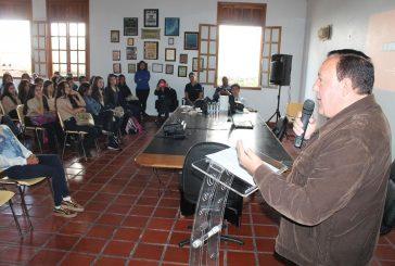 """Estudiantes carrizaleños participaron de la charla del programa """"Si te Apuras que Ganas"""""""