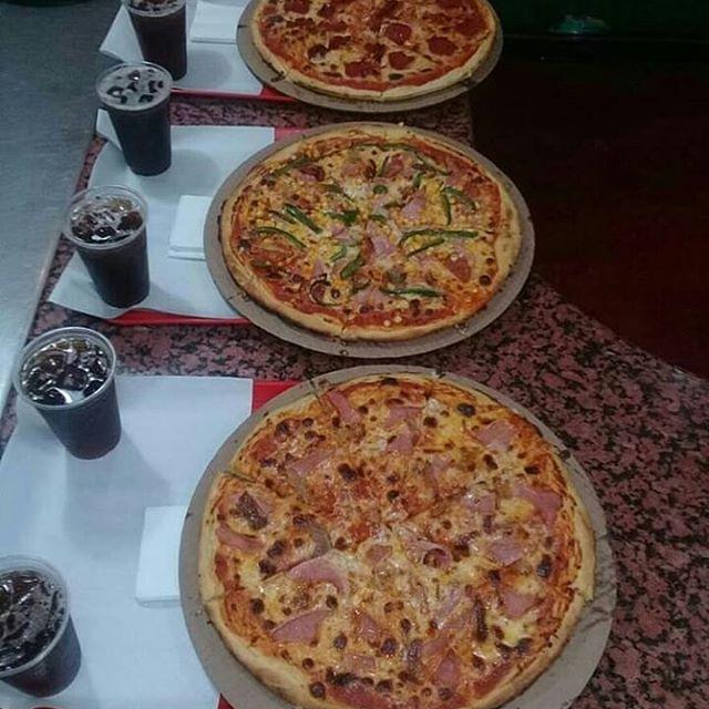 Una pizza puede costar hasta Bs. 463 mil