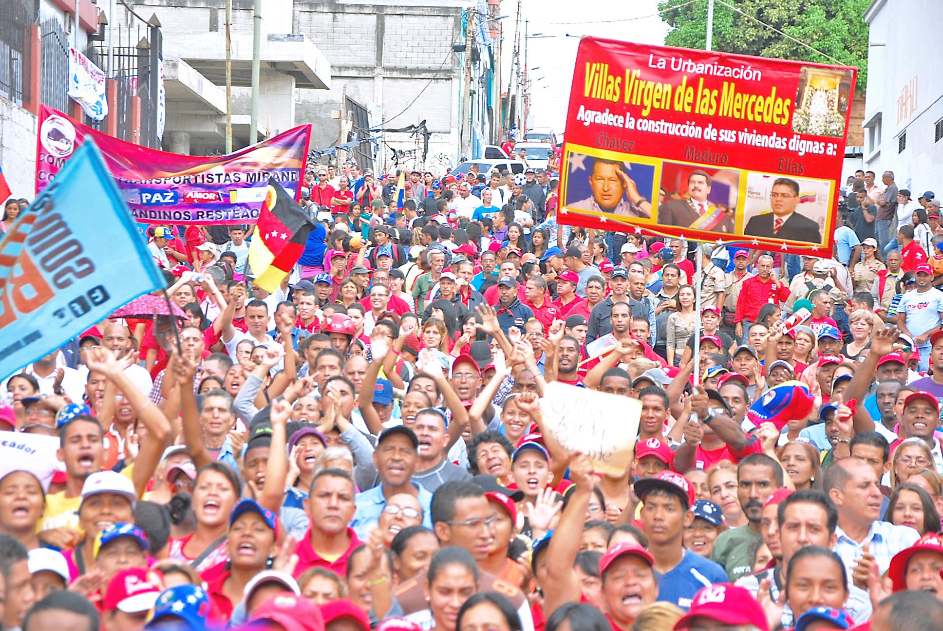 Chavismo se movilizó en defensa de la paz y Maduro