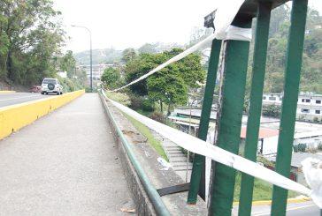 Manifestantes dañan espacios públicos de Los Salias