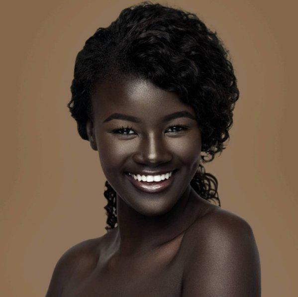 Khoudia Diop, recibió burlas por su piel y ahora es modelo ...