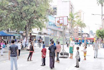 Grandes y chicos gozaron un  montón en el Bulevar Bermúdez