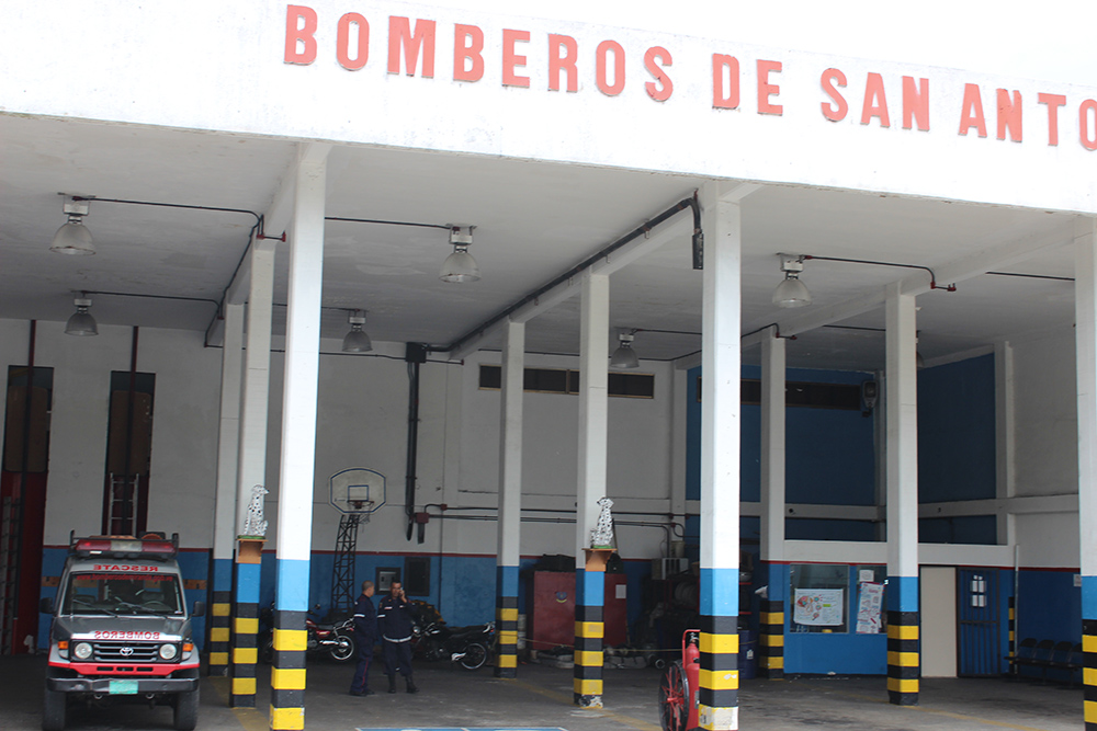 Bomberos salienses trabajan sin camión para extinguir incendios
