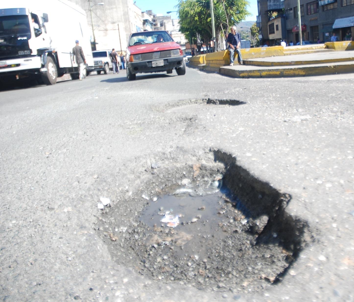 Troneras invaden las calles del Cabotaje