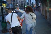 Rateritos arrebatan bolsas  de comida en el centro