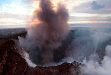 Hawaii en alerta por gas tóxico de erupción y nuevas áreas en riesgo