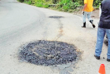 Continúan trabajos de reparación  en calles de Los Salias