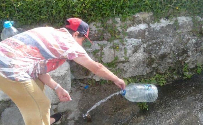 Vecinos de El Limón denuncian que escasez de agua se agudiza