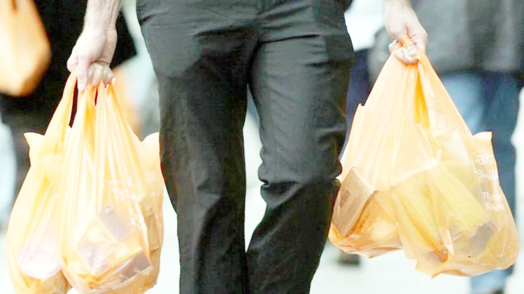 Precios de bolsas en comercios aumentan constantemente