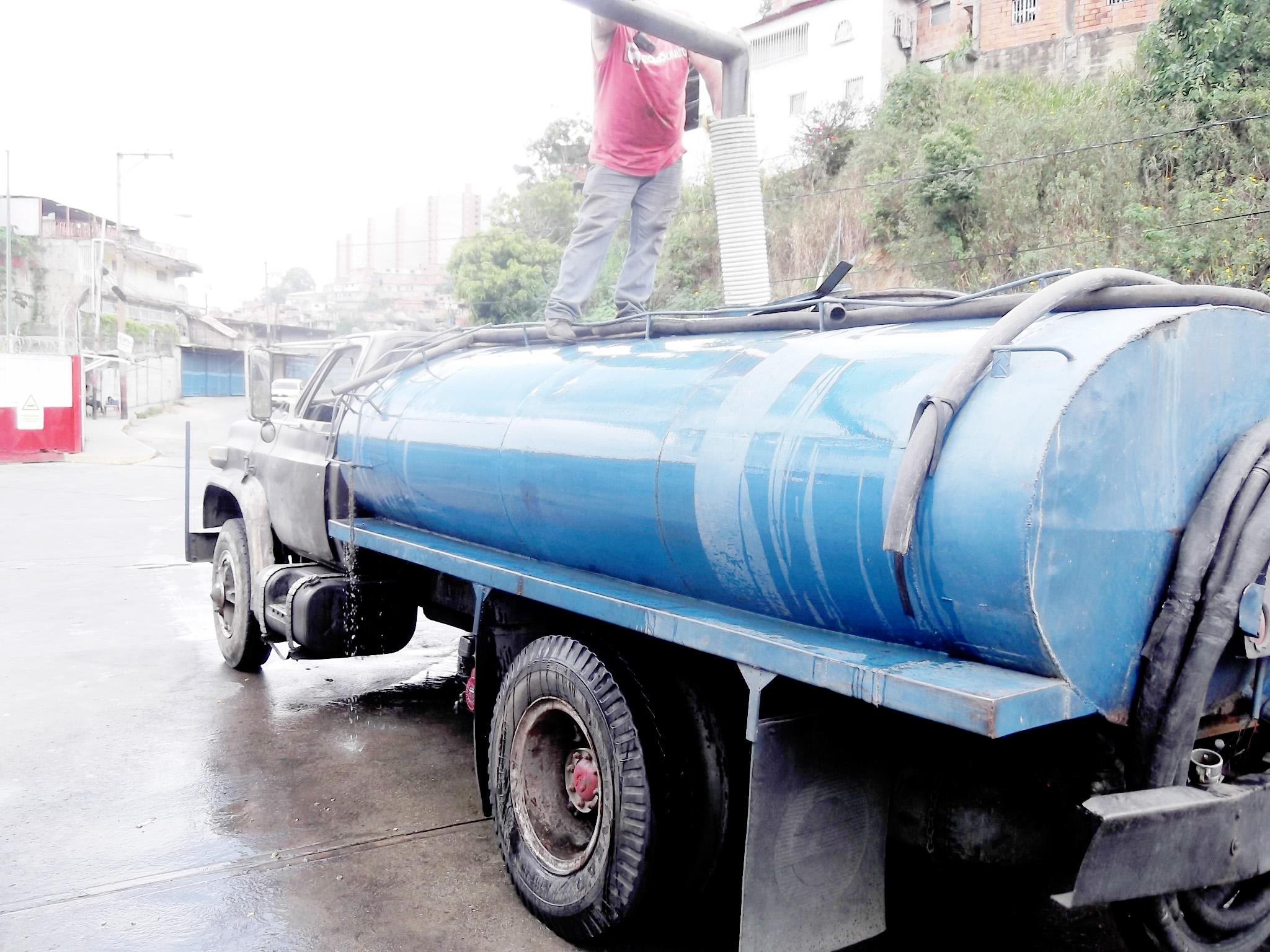 cisternas de agua a domicilio affordable de agua camin
